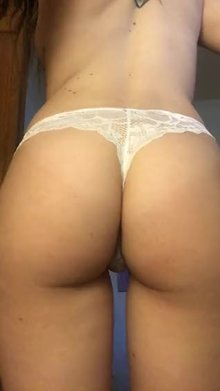 A little butt jiggle or ya
