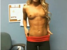 Blonde Shows Off Her Ripped Body