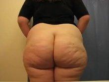 Yelske's thicc butt! O_O