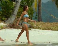 Jessica Alba bikini plot from Mechanic