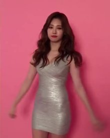 (WOMANS DAY) YURA in a hot tight dress!