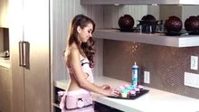Riley Reid - Icing them cupcakes