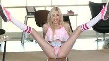 Dirty skater woman Piper Perri
